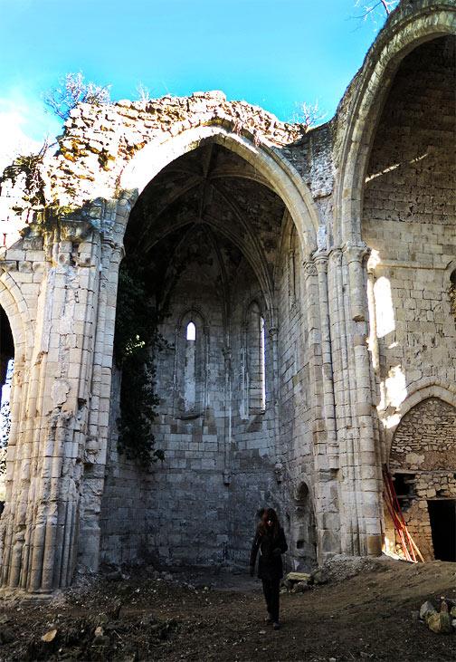 Monasterio gótico en ruinas de Bonaval