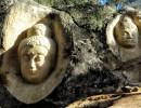 Imaginería mística oriental, en la forma del Buda futuro por venir (Maitreya), y el guerrero Arjuna, uno de los héroes del poema épico hindú Mahabharata