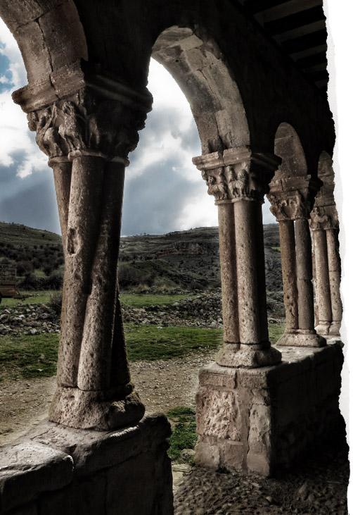 Columna torsa o salomónica de San Pedro de Caracena