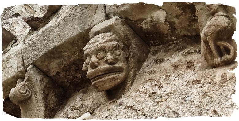 Trifronte en la iglesia de Caracena
